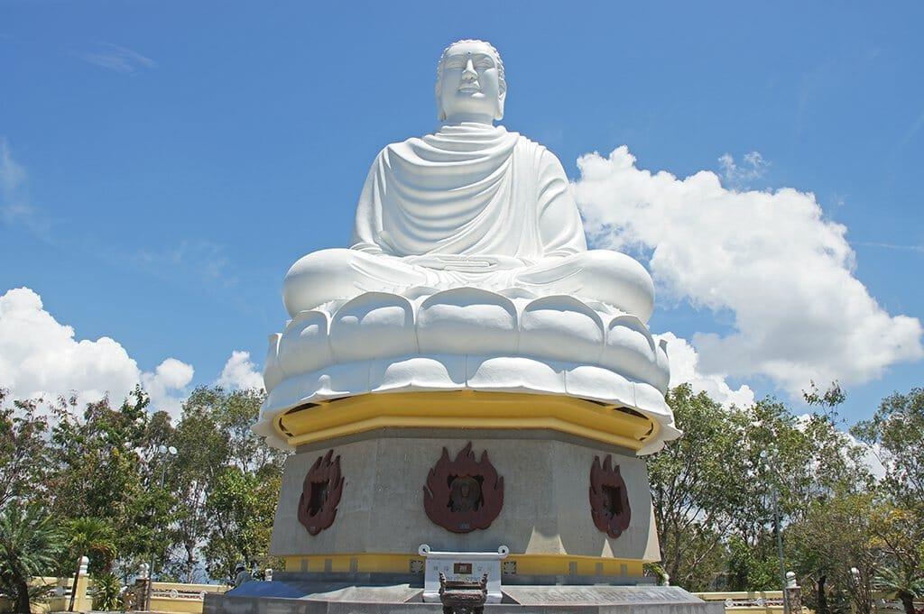 Пагода Лонг Шон; Пагода Лонг Шон, Нячанг, Вьетнам