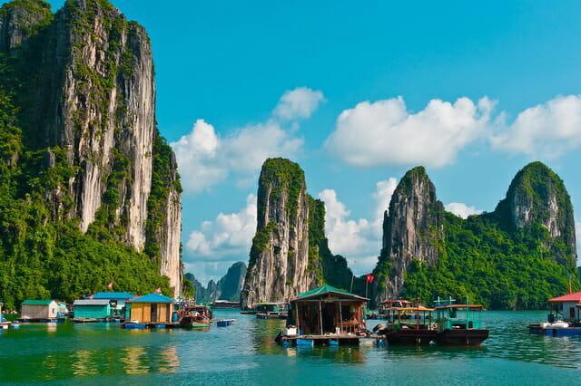 Бухта-Халонг, Вьетнам
