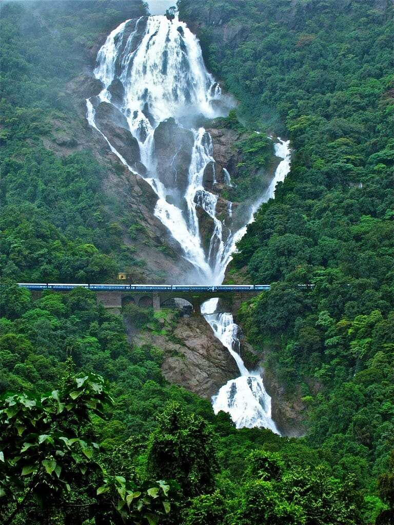 Водопад Дудхсагар Достопримечательность