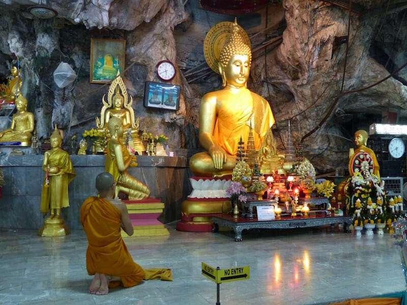 Храм Тигра в Пещере (Wat Tham Suea) пещера