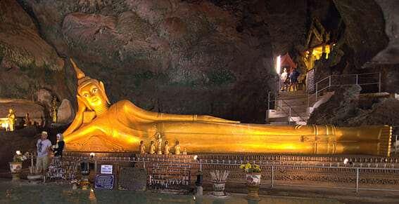 Храм лежащего Будды, пещера