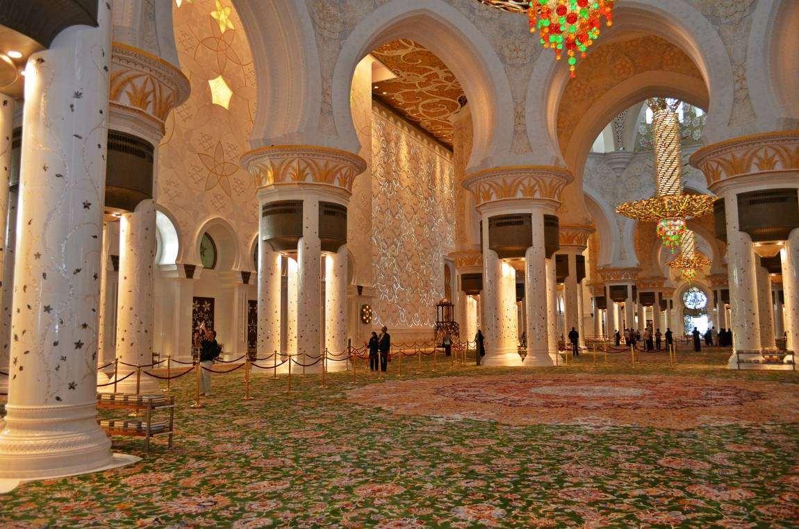 Мечеть-шейха-Зайда-ковер