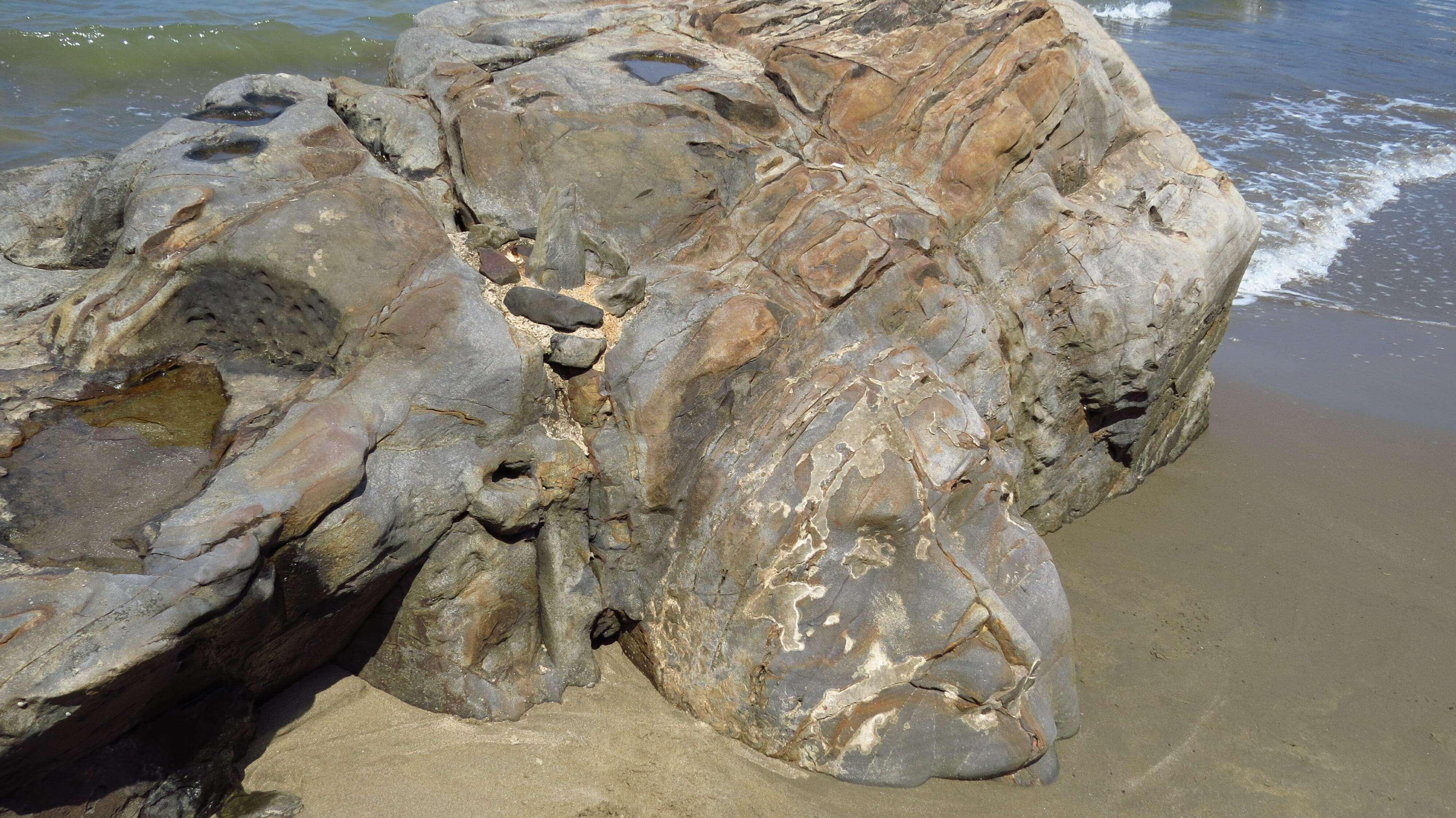 Лицо Шивы на пляже Малый Вагатор