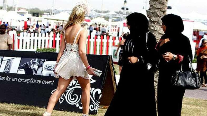 Выбирая одежду для отдыха в ОАЭ