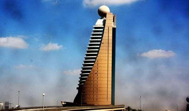 Здание компании Etisalat в Дубаи