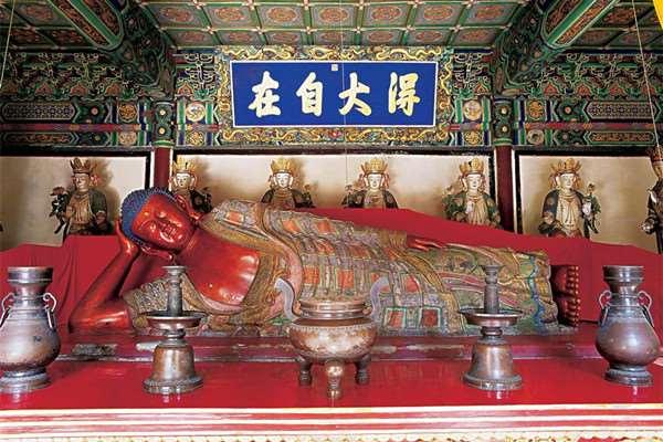 Храм Лежащего Будды (Wofo Temple), Пекин, Китай.