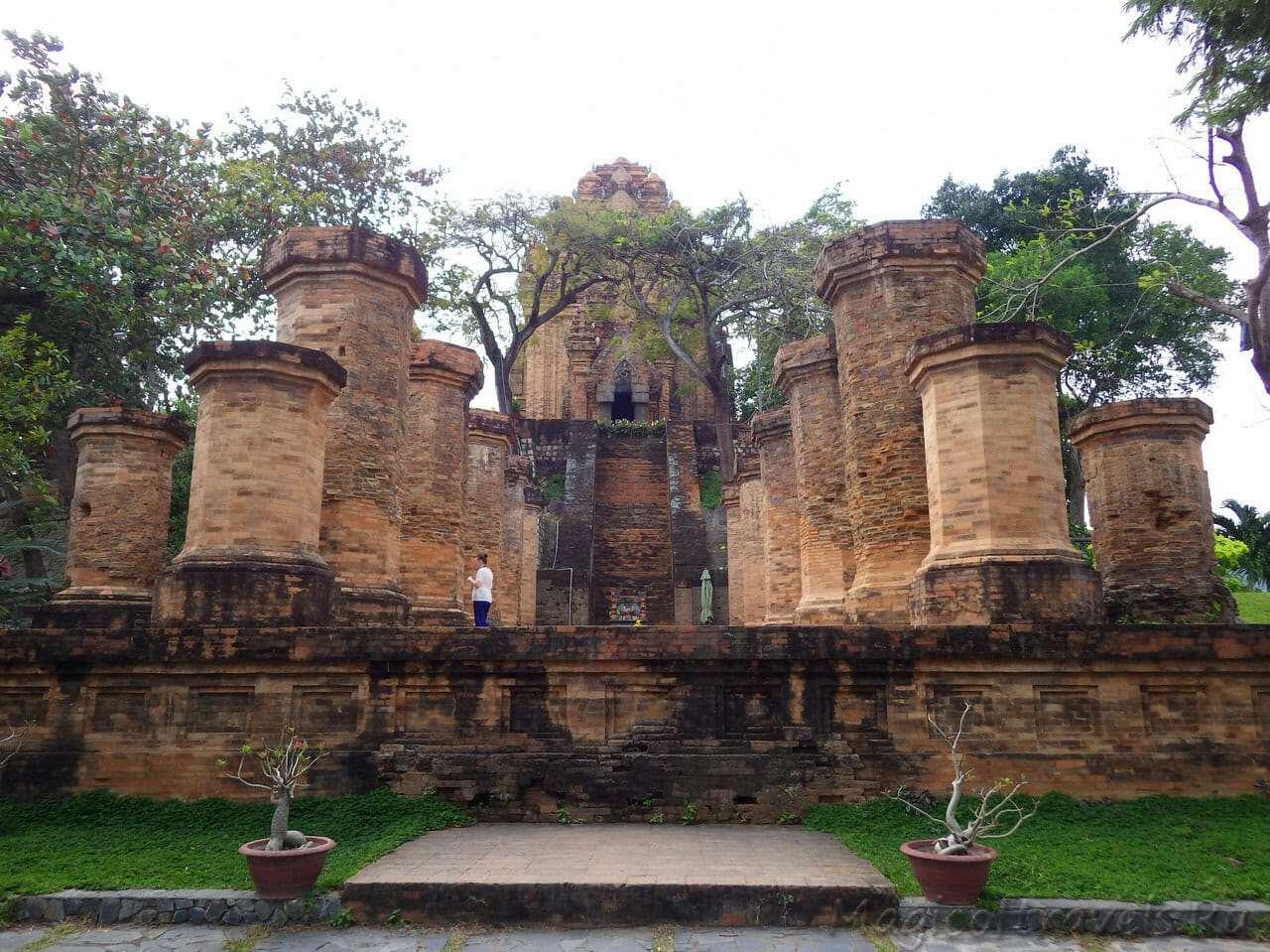 Чамские башни принцессы Пошану (По Нага)