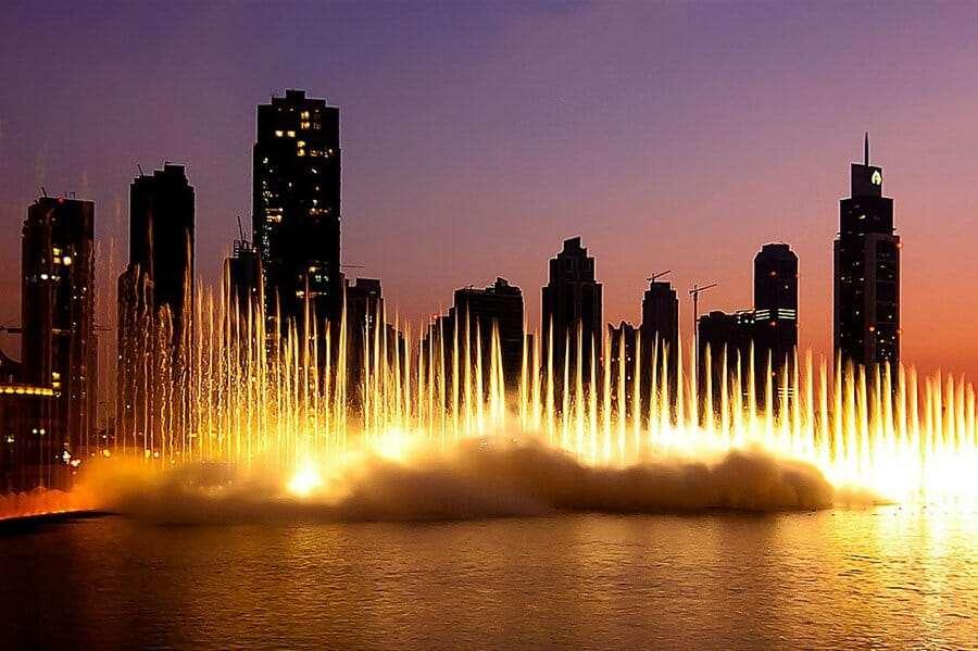 The Dubai Fountain — танцующий фонтан, который видно из космоса