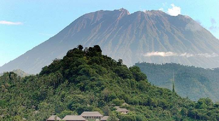 Вулкан Агунг