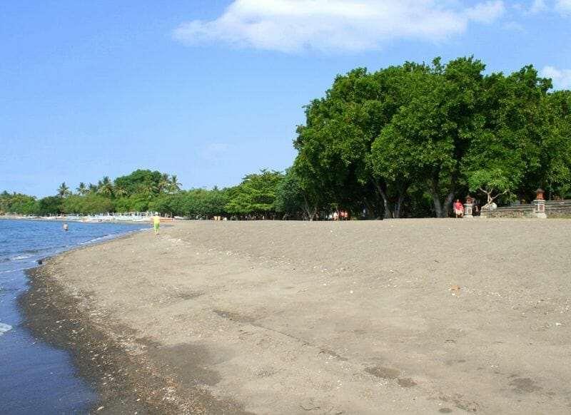 Пляж Ловина, Бали.