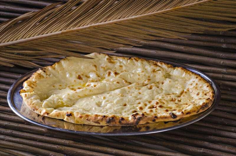 Cheese naan (Лепешка с сыром)