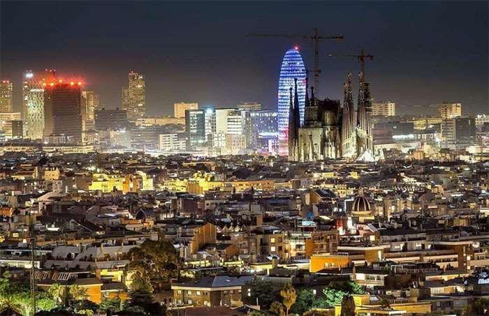 Барселона-ночью
