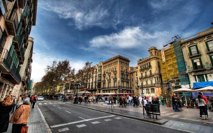 Улица Рамбла Барселона