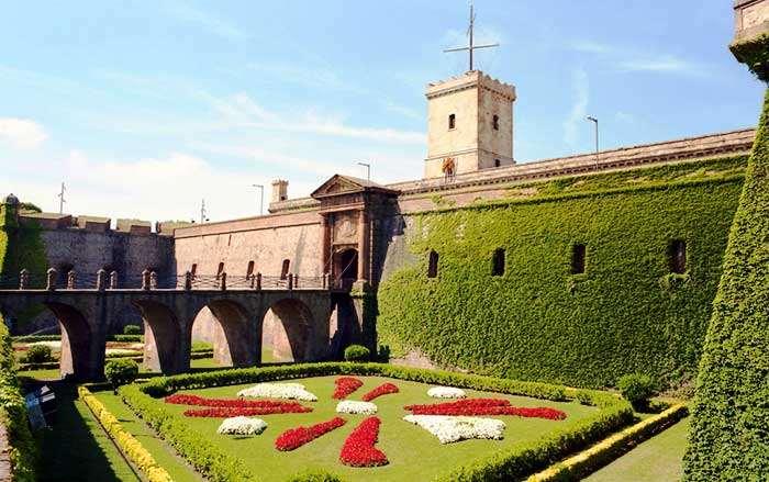 Крепость Монтжуик, Испания