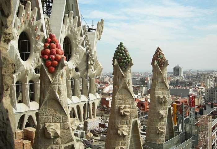 Храм Святого Семейства (Саграда Фамилия) Архитектор Гауди