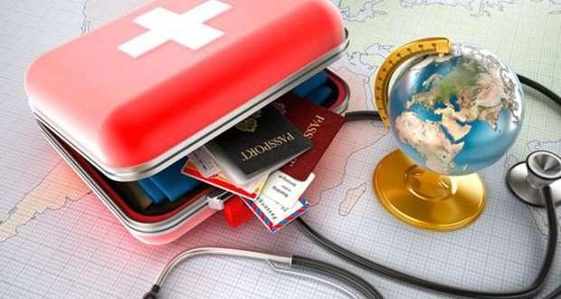 В понимании большинства российских путешественников, туристическая страховка – это досадная необходимость для выезда за границу. Лишь некоторые знают о том, что приобретенный медицинский полис позволяет бесплатно получить помощь профессиональных врачей.