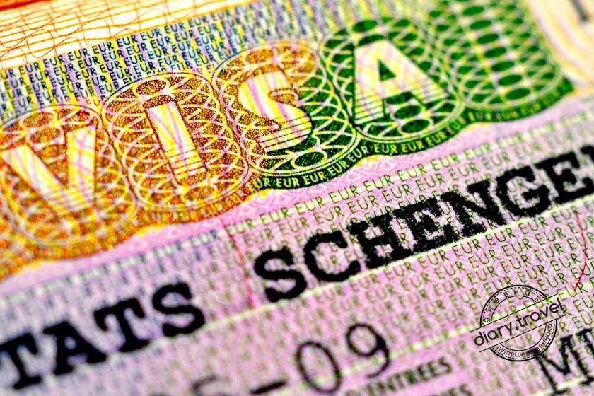 Все граждане, выезжающие из России в страны Шенгенского соглашения, обязаны оформлять медицинскую страховку по требованиям визового законодательства. Убедиться в этом можно, зайдя на сайт консульства любой страны, входящей в список Договора.