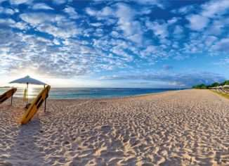 Пляжи на острове Бали – это не привычные для многих туристов места, где можно купаться в любом месте или рассматривать спокойное, лазурное море.