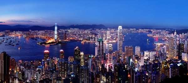 Хотя Гонконг и вошел в состав Китая, его жители обладают рядом привилегий – например, могут ездить в страны Евросоюза без виз.