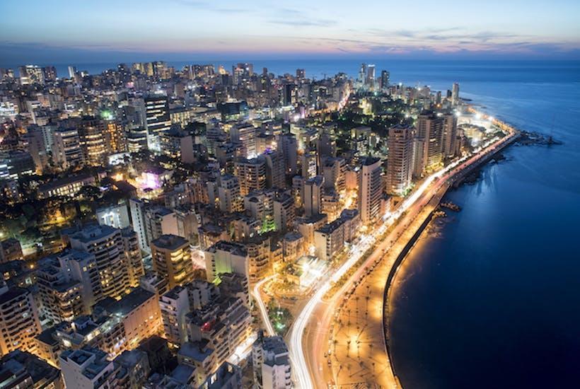 Бейрут – огромный мегаполис, столица Республики Ливан. Он является экономическим, промышленным, политическим и культурным центром страны, имеет множество исторических, архитектурных достопримечательностей, большое количество современных торговых, развлекательных комплексов. В ресторанах города подают знаменитые ливанские блюда, а также еду средиземноморской, европейской кухни.