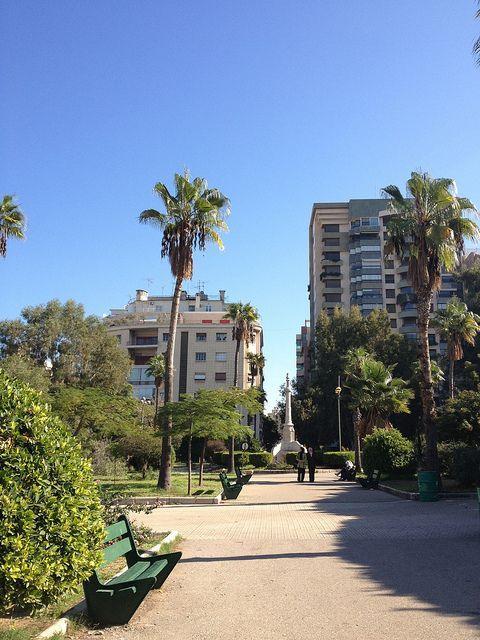 Парк Al Sanaya расположен недалеко от улицы Аль-Хамра. Официальное название «Парк Рене Мовад», площадь около 22 000 м². Парк популярен среди больших и маленьких посетителей, которые приходят сюда, чтобы насладиться тенью многолетних деревьев.