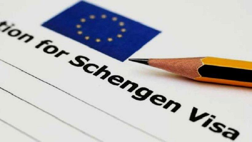 Страховка для шенгенской визы – непростая задача, предполагающая сбор ряда документов, уплату пошлины, покупку медицинской страховки.