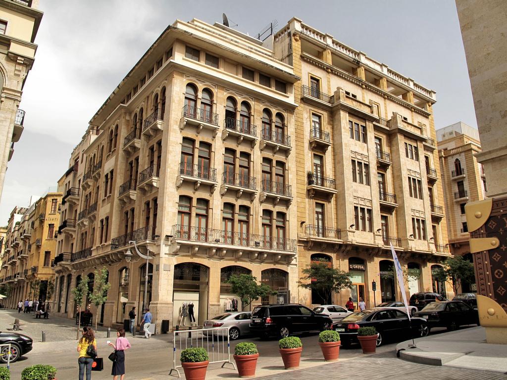 Самое посещаемое туристами место, которое, конечно же, содержит множество ресторанов, магазинов и кафе, а также площадки на открытом воздухе, где проводятся концерты, фестивали