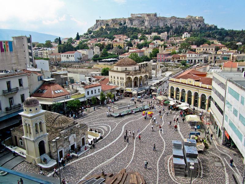 в современном городе гармонично сочетается античное наследие и технический прогресс, волной накрывший все развитые страны мира.