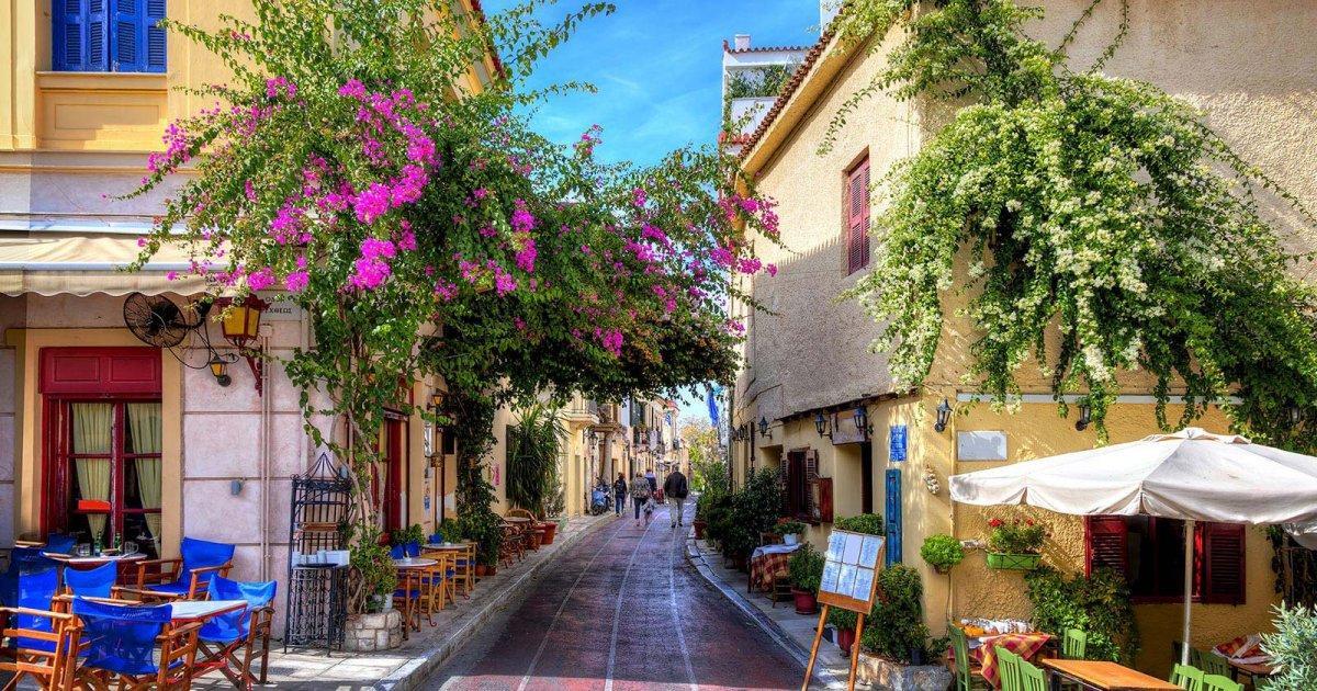 Район, расположенной в непосредственной близости к Акрополю, отличается особой атмосферой и архитектурой