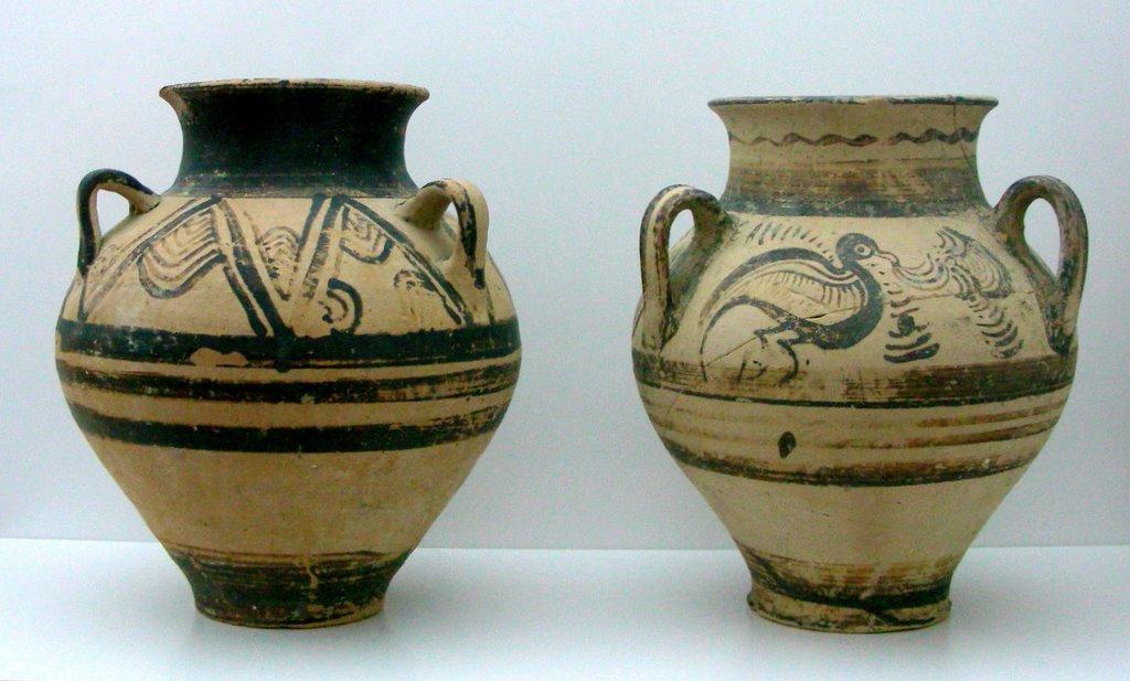 Археологические раскопки на Крите ведутся в районе административного центра. Все экспонаты стекаются в музей археологии городка Агиос-Николаос
