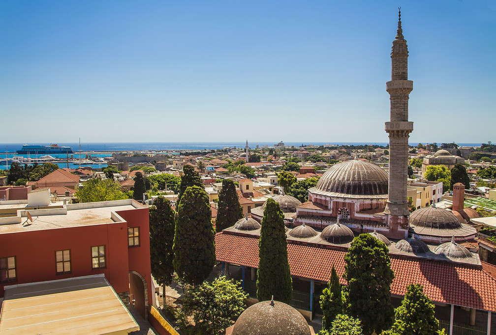 Мечеть Сулеймана была построена в начале 16 века, когда островом правил турецкий султан