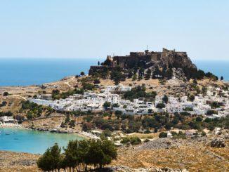 Родос – это остров, который рад встретить любого туриста и предложить ему вид отдыха в соответствие с интересами и требованиями