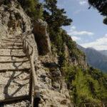 ущелье Самари известно тем, что это самое большое ущелье во всей Европе. При этом оно отличается живописностью, несмотря на то, что люди заселяли его на протяжении тысячелетий