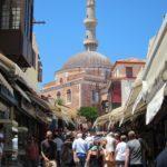 Улица Сократа на Родосе расположена в административном центре острова в Старом городе и является главной торговой улицей для приверженцев продукции местного производства