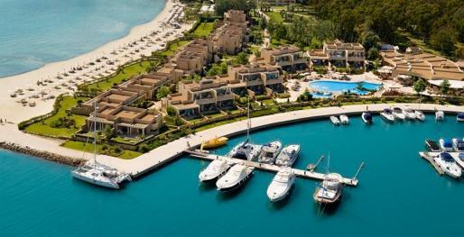 Греция – настоящий рай для туристов, ведь здесь есть множество интересных и удивительных мест.