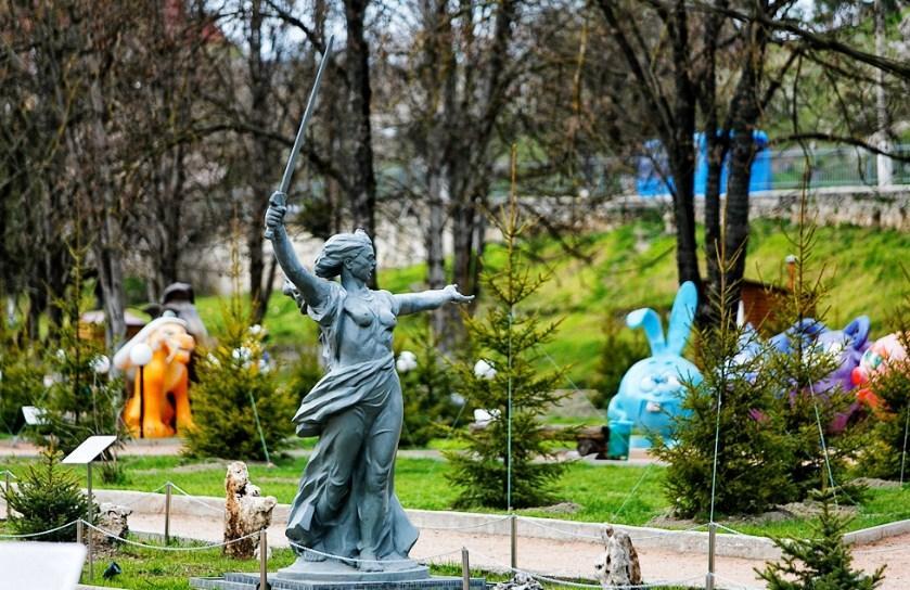 Особняком стоит только этот музей. В нем собраны все знаменитые объекты Крыма в миниатюре: 1/25, 1/50 или 1/100.