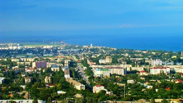 Феодосия – с греческого – Богом данная, древняя Кафа. Глубокая бухта города была удобна для кораблей всех времен.