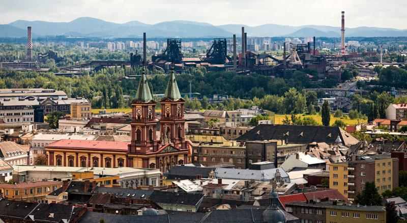 Третий по численности населения город Чехии, крупный промышленный центр с глубокой историей. Острава стала известна с 1267 года, как деревня, где останавливались на отдых купцы, возившие янтарь с берегов Балтики в страны Средиземного моря.