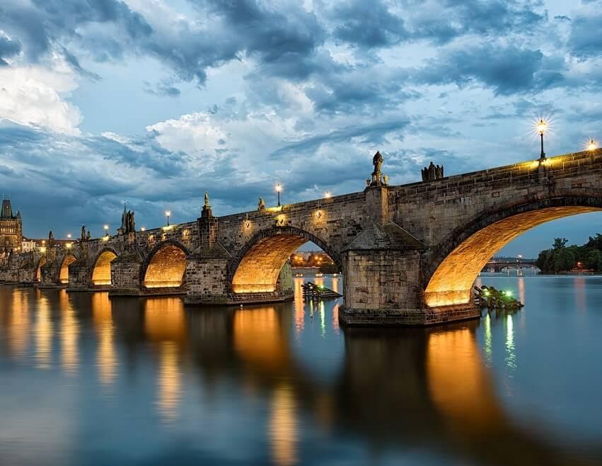 Что нужно сделать, чтобы каменный мост простоял 6 с половиной веков? Все просто: найти начинающего архитектора, начать стройку в магическую дату и для скрепления деталей использовать яичный белок.