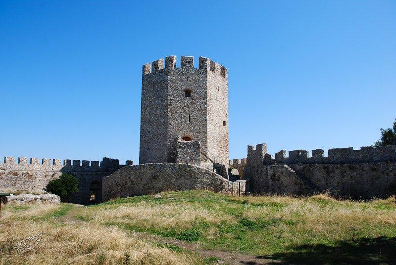 Древний архитектурный памятник был основан в 12 веке, но, несмотря на долгую историю, прекрасно сохранился до наших дней.