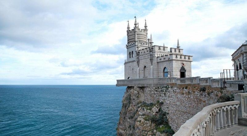 Самое узнаваемое место Крыма имеет трудную судьбу. Несколько раз замок мог быть утрачен навсегда.
