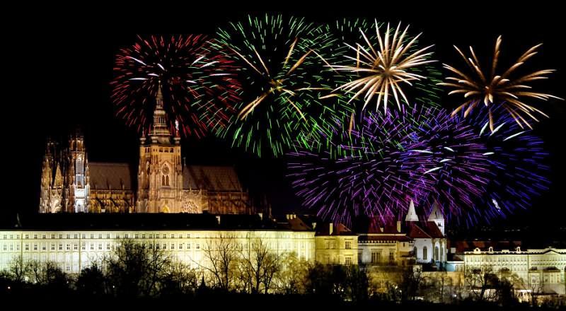 Самым главным праздником страны является католическое Рождество, оно отмечается с 24 по 26 декабря.