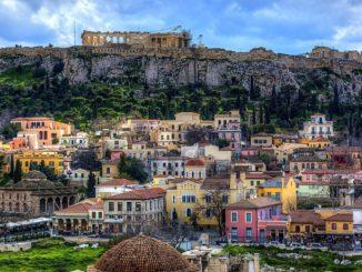 Подобно многим греческим городам Салоники не перестраивались со временем, а лишь разрастались вокруг старого города, сохраняя историческое и культурное наследие в целости.