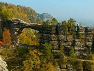 Одним из основных туристических направлений является посещение национального парка «Чешская Швейцария»