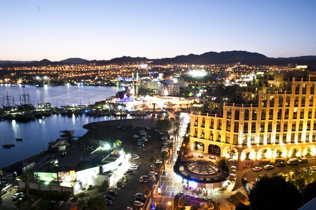Курортный город с большими пляжами на Красном море, излюбленное место дайверов.