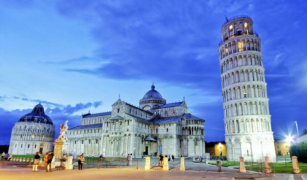 Флоренция находится совсем недалеко от Пизы и Сиены.