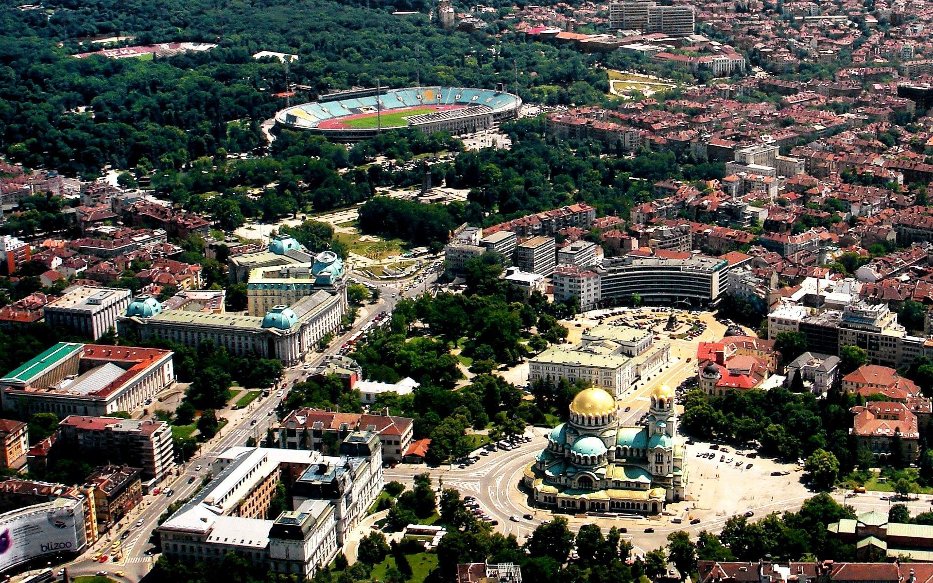 Столица Болгарии славится множеством достопримечательностей и невысокими ценами в сравнении с другими европейскими столичными городами.