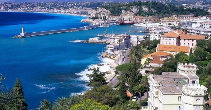 Многие слышали о Ницце, но добираются сюда, как правило, только любители пляжного отдыха, а зря, ведь город сам по себе представляет произведения искусства – он вдоль и поперек испещрен великолепными виллами