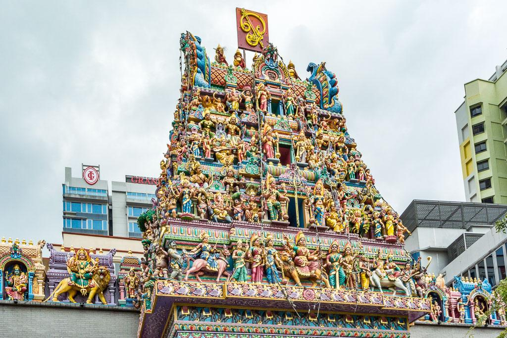 Достопримечательность, которую нельзя пройти стороной. Этот древний храм посвящен богине Кали, защитнице от злых сил, несущей процветание и жизнь.