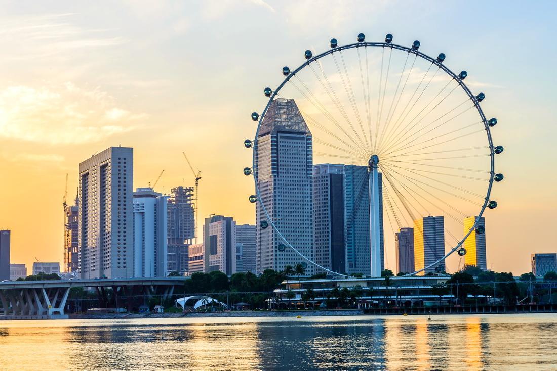Колесо обозрения В Сингапуре это не просто развлекательный аттракцион, а полноправная достопримечательность